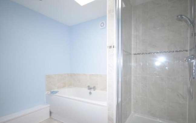 7 Parrock House Bathroom